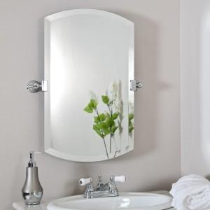 как правильно повесить зеркало в ванной